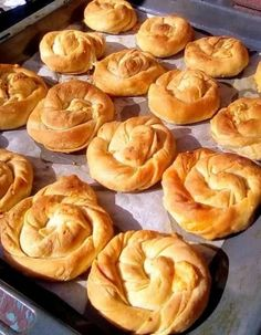 Pita Recipes, Greek Recipes, Desert Recipes, Bakery Recipes, Cooking Recipes, Spanakopita Recipe, Eat Greek, Greek Pita, Pizza Tarts