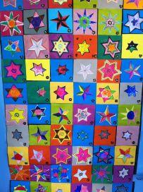 La cloche a sonné 100th Day, Art Plastique, Pixel Art, Arts And Crafts, Kids Rugs, Quilts, Appris, Cloche, Education