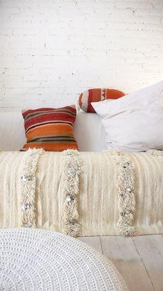 Handira  Vintage Moroccan Wedding Blanket  small por lacasadecoto, €175.00