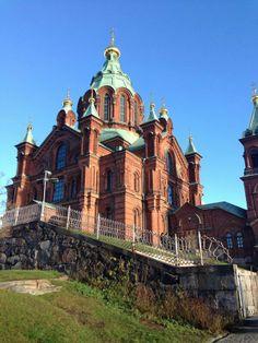 Eglise Orthodox Russe a Helsinski en Finlande prise ce jour 16/11/2013 et un beau ciel bleu