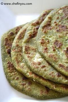 Hara Bhara Paratha recipe (Spinach paratha stuffed with paneer, potato and cauliflower) Veg Recipes, Indian Food Recipes, Gourmet Recipes, Vegetarian Recipes, Cooking Recipes, Recipies, Appetiser Recipes, Curry Recipes, Bread Recipes