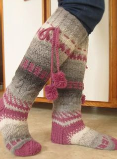 This Pin was discovered by Dur Knitted Boot Cuffs, Knit Boots, Knitted Slippers, Knitting Socks, Winter Socks, Knitting Projects, Leg Warmers, Crochet Lace, Crochet Patterns