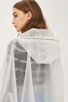 53cf9b617f9871 Raincoats For Women April Showers #RaincoatTheNorthFace #RaincoatFabric  Anziehen, Aprilschauer, Kunststoffponchos, Michael