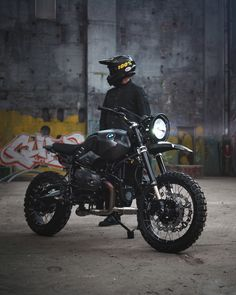 Weapon of choice 🔫 Bmw Motorcycles, Custom Motorcycles, Custom Bikes, Nine T, Moto Style, Lone Wolf, Decoration, Motorbikes, Thor