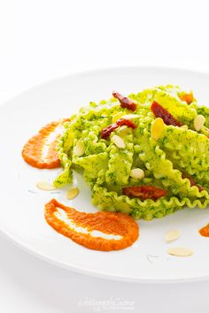 Pasta with wild fennel pesto and dried tomatoes