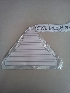 The Sweetest Thing Writing Craftivity- Students write about the kindest thing they've every done, then publish it on a chocolate kiss!