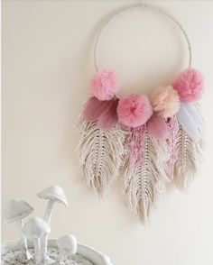 Available on etsy link in my bio dreamcatcher macramefeather - Salvabrani Small macrame wall hanging feathers macrame feathers macrame home decor home decor boho decor boho art boho feathers macrame – Artofit 😄 Made up a few of these mini gold hoop Pom Pom Crafts, Yarn Crafts, Diy And Crafts, Arts And Crafts, Homemade Crafts, Paper Crafts, Macrame Art, Macrame Projects, Craft Projects