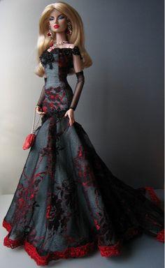 Dress Monaeglow, Jewelry, Purse by Beautiful Dolls / 12.25.3