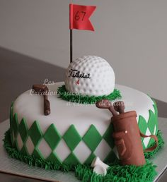 Golf Cake....Maybe I can get Sue Squires to make this for me to give to my in-laws (to pass off as my own...bwahahaha)! ;)