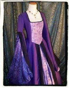 Purple Haze Tudor Court Renaissance Dress by RecycledRockstah Tudor Dress, Medieval Dress, Tudor Fashion, Medieval Fashion, Women's Fashion, Renaissance Clothing, Renaissance Fair, School Dresses, Maquillage Halloween
