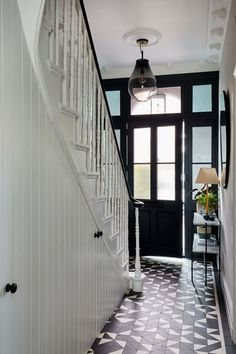 Imperfect Interiors | Beth Dadswell | Interior & Garden Designer | Dulwich SE21 London (en-GB) Victorian House Interiors, Victorian Townhouse, Victorian Homes, Modern Victorian, Victorian Terrace Hallway, Victorian Front Doors, White Staircase, Staircase Design, Bungalow Hallway Ideas