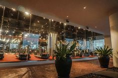 Bangkok | Unser Aufenthalt im lebua at State Tower Hotels In Bangkok, Das Hotel, Restaurant, Tower, Travel, Small Shops, Gym Room, Singapore, Viajes