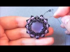 DIY-Tutorial Purple Sun- Parure Peyote- Incastonatura a spirale, via YouTube.