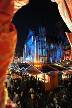 Le Marché de #Noel à #Mulhouse en #Alsace. ©Catherine Kohler www.noel-sud-alsace.com #christmas #france
