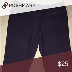 Nike Capris Stretchy nike Capri yoga pants Nike Pants Capris