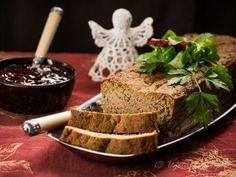 pasztet z kurczaka z suszonymi grzybami. Pasztet drobiowy z grzybami jest pyszny, aromatyczny i wilgotny, a dodatek suszonych grzybów sprawia, że pasztet...