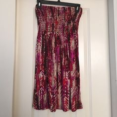 Medium Strapless Summer Dress Size M This super cute dress is perfect for summertime! Dresses