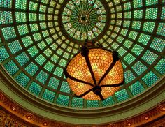 Chicago Cultural Center chandelier and Tiffany dome - Chicago, 2011 © Chris Smith