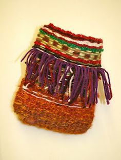 Weaving Bags - If 4h graders can do this... maybe I can, too!!!   Very pretty!!!