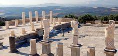 El yacimiento y santuario de Torreparedones es un conjunto arqueológico andaluz ubicado entre los términos municipales de Baena y Castro del Río, en la provincia de Córdoba. Alberga importantes restos de la cultura de tartesios y de romanos, destacando una puerta monumental.