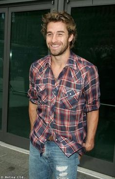 scott speedman is beautiful. man-candy