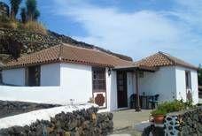 Casa Volcanes Pergola, Outdoor Structures, Outdoor Decor, Home Decor, Santa Cruz, Home, Volcanoes, Palms, Holiday Destinations