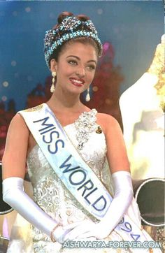 Aishwarya Actress Aishwarya Rai, Aishwarya Rai Bachchan, Hollywood Actresses, Indian Actresses, Miss India, Vintage Bollywood, Beauty Around The World, Most Beautiful Indian Actress, Miss World