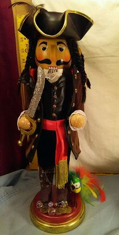 "Bombay 2007 Exclusive Nutcracker Collection Pirate 18"" Tall Ex. Cond. RARE"