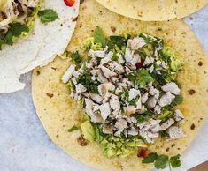 Hiszpańska tortilla z chorizo Chorizo, Guacamole, Tapas, Food And Drink, Mexican, Ethnic Recipes, Lunch Ideas, Mexicans