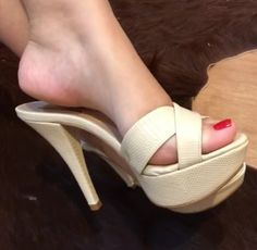 Beautiful Toes, Gorgeous Heels, High Hill Shoes, Brian Atwood Shoes, Hot High Heels, Sexy Toes, Female Feet, Women's Feet, Fashion Heels