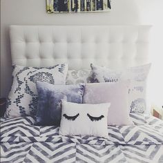 The perfect pillow combo. Loving the shut eye pillow in the front. Cozy chic!