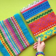 Пожалуй это все, что у меня осталось😂, два самых прекрасных снуда на свете☀️☀️. Один с оранжевым 🍊 флисовым подкладом 😋, а у второго самая мягкая в мире ангора 🐰из которой связана резинка🐬. Сегодня продаю каждый  за 2800 ✌️️!!! 🐬🐬🐬🐬🐬🐬🐬🐬🐬🐬🐬🐬🐬 for sale 😉. 🐠🐠🐠🐠🐠🐠🐠🐠🐠🐠🐠🐠🐠 #снуд #жаккард #fairisle #knitting #handmade #instaknit #готоваяработа