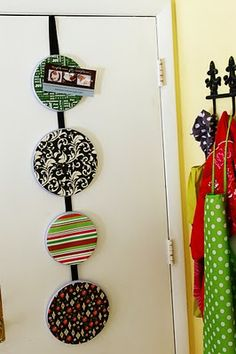 DIY card holder its dollar store burner covers! such a great idea! Dollar Store Christmas, Dollar Store Crafts, All Things Christmas, Christmas Holidays, Christmas Decor, Christmas Ornaments, Holiday Crafts, Holiday Fun, Holiday Decorations