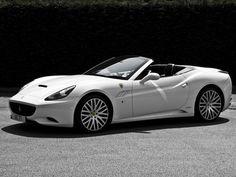 2010 Ferrari California / White Edition