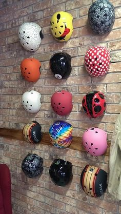 Cycling - showing an array of colourful helmets Montain Bike, Bicycle Store, Bicycle Safety, Trial Bike, Vintage Cycles, Helmet Design, Kids Bike, Bike Style, Bike Art