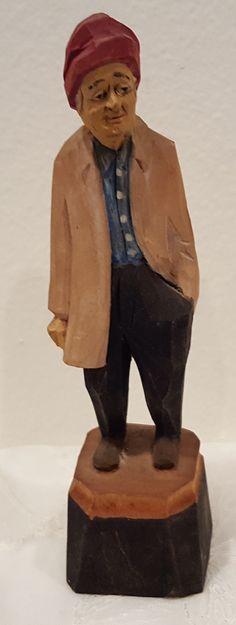 Agnes Dube carving