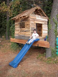 pallet playhouse - a perfect height for a little man!
