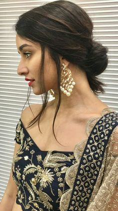 Bollywood fashion 572097958918317050 - shraddha kapoor's earring Source by shaguftaquamar Indian Celebrities, Bollywood Celebrities, Bollywood Fashion, Bollywood Girls, Beautiful Bollywood Actress, Beautiful Indian Actress, Indian Film Actress, Indian Actresses, Pakistani Actress