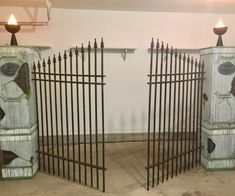 halloween decorations outdoor How to Build Halloween Cemetery Entrance Pillars & Gate: In this Instructable I will show you how I built some pretty convincing Cemetery fau Halloween Prop, Deco Haloween, Halloween Fence, Halloween Outside, Halloween School Treats, Halloween Yard Decorations, Halloween Haunted Houses, Outdoor Halloween, Holidays Halloween
