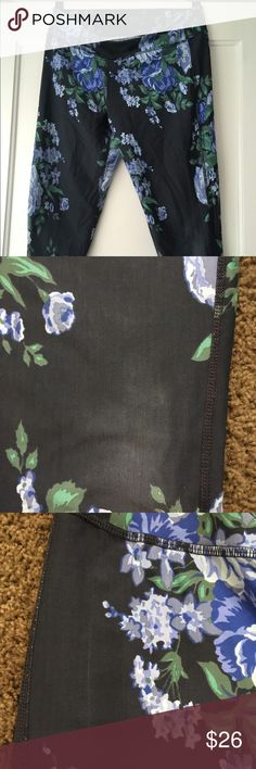 Albion Fit Antigua cobalt capris Size large but could fit medium. Super cute! Imperfections shown in photos Albion Other