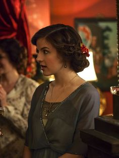 Aisling Loftus as Agnes Towler in Mr Selfridge (TV Series, 2014).