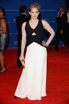 Anna Chlumsky kept it simple in a black-and-white cutout dress by Giulietta at the White House Correspondents' Association Dinner.