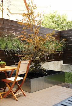deck stainless planter