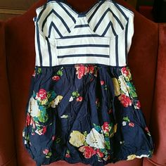 Sweet Abercrombie & Fitch top/dress Used condition bubble skirt, cotton with elasticated back Abercrombie & Fitch Tops