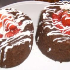 Fruit filled cakes
