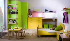Kid's bedroom -- green and yellow