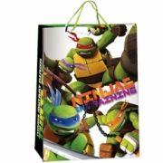 Bolsas de regalo de las Tortugas Ninja...: http://www.pequenosgigantes.es/pequenosgigantes/4716278/bolsa-de-regalo-gigante-de-tortugas-ninja.html