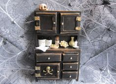 Miniature Black Witch Hutch Hoosier Kitchen von AhtheMacabre