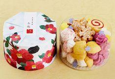 パッケージから可愛い!「アトリエうかい」のほろほろクッキーが、冬のギフトに最適だった![東京カレンダー] Japanese Sweets, Japanese Food, Icebox Cookies, Cap Cake, Moon Cake, Greens Recipe, Cute Food, Food Gifts, Food Presentation