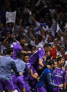 (2) Twitter Real Madrid Wallpapers, Real Madrid Football Club, Cristiano Ronaldo 7, Toni Kroos, Isco, Gareth Bale, Champions, Soccer Players, Hollywood Stars